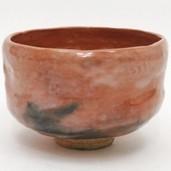 【茶器/茶道具 抹茶茶碗】 赤楽茶碗 箆目 伊東桂楽作(桂窯) 焼き上がりにより色などは変わります。