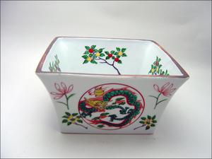 【茶道具・菓子器】菓子鉢・万歴赤絵四方鉢 作者 富田静山