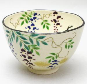 【茶器/茶道具 抹茶茶碗】 藤の花とつばめ 野村祥雲作