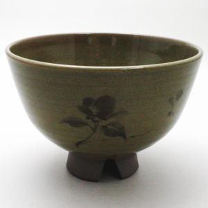 【茶道具・抹茶茶碗】 虫明焼 椿の絵 割高台 曙窯